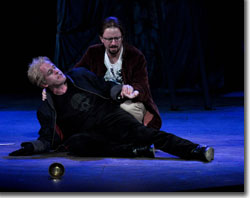 Stephen Weitz as Hamlet and Timothy Orr as Horatio