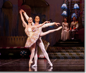 Chandra Kuykendall as the Sugar Plum Fairy and Igor Vassine as the Cavalier