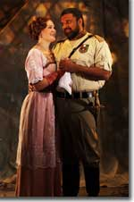 Photo of Elgin Kelley as Desdemona and John Cothran as Othello