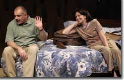 Photo of John Herrera as Alberto and Karmín Murcelo as Gail